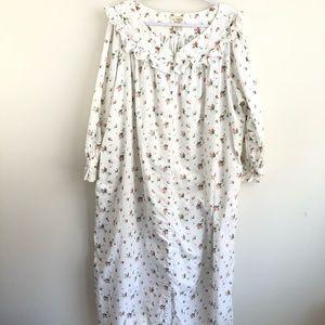 Vintage Victoria's Secret dressing gown